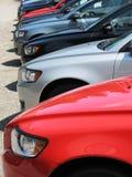Rij van nieuwe auto's Royalty-vrije Stock Afbeeldingen