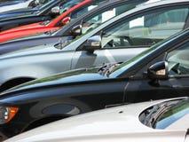 Rij van nieuwe auto's Royalty-vrije Stock Foto's