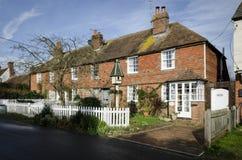 Rij van plattelandshuisjes in een Dorp in Kent Royalty-vrije Stock Afbeeldingen