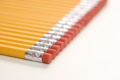 Rij van potloden. stock foto's