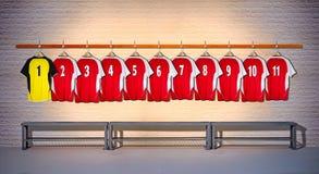 Rij van Rode en Gele Overhemden 1-11 van Voetbaloverhemden Royalty-vrije Stock Foto