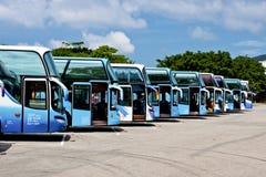 Rij van toeristenbussen Stock Afbeelding