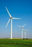 Rij van windturbines Stock Foto