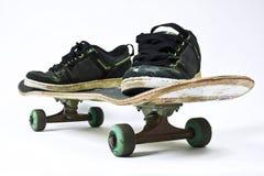 Rijd schoenen met een skateboard Royalty-vrije Stock Fotografie