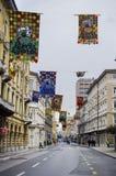 RIJEKA, CROACIA - 2 DE MARZO: calle principal durante el desfile de carnaval en Rijeka, Croacia en marzo Imagen de archivo