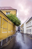RIJEKA, CROAZIA - via principale tipica della cittadina in Croazia Fotografia Stock Libera da Diritti