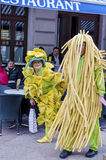 RIJEKA, KROATIË - MAART 02: het gemaskeerde paar neemt bij de Carnaval-parade in Rijeka, Kroatië op 02 Maart, 2014 deel Stock Afbeelding