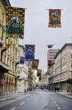 RIJEKA, KROATIEN - 2. MÄRZ: Hauptstraße während der Karnevalsparade in Rijeka, Kroatien im März Stockbild