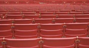 Rijen van de Rode Zetels van het Auditorium Royalty-vrije Stock Afbeelding