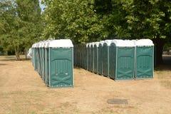 Rijen van groene portaloos royalty-vrije stock afbeeldingen
