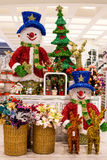 Rijen van Kerstmisspeelgoed in een supermarkt Siam Paragon in Bangkok, Thailand. Royalty-vrije Stock Afbeelding