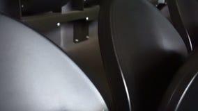 Rijen van zetels in een voetbalstadion stock videobeelden