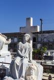 Rijk verfraaid graf bij de Roman Catholic Cementerio la Reina-begraafplaats in Cienfuegos, Cuba Stock Afbeeldingen