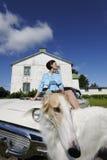 Rijke dame met grote hond Royalty-vrije Stock Afbeeldingen
