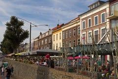 Rijnkade met gastvrijheid in Arnhem stock foto's