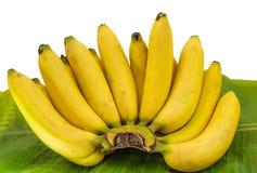 Rijpe bananen op een banaanblad Royalty-vrije Stock Afbeeldingen