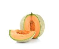 Rijpe die kantaloepmeloen op witte achtergrond wordt geïsoleerd Stock Fotografie