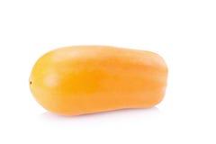 Rijpe die papaja op een witte achtergrond wordt geïsoleerd royalty-vrije stock foto's