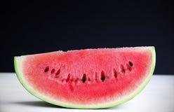 Rijpe en sappige plak de van de watermeloen, Stock Afbeeldingen
