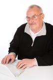 Rijpe mens met laptop Stock Fotografie