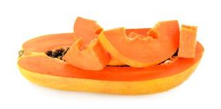 Rijpe papaja op de witte achtergrond Stock Foto