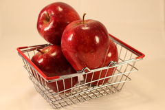 Rijpe rode appelen Royalty-vrije Stock Foto's
