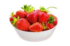 Rijpe rode mooie sappige heldere smakelijke aardbeibessen Rode aardbeien op een geïsoleerde witte achtergrond clipping Stock Foto