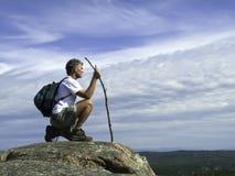 Rijpe Volwassen Wandelaar die in de Mening neemt Stock Fotografie