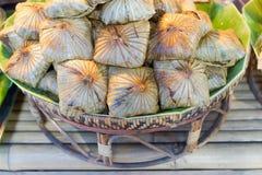 Rijst die in lotusbloemblad wordt verpakt Royalty-vrije Stock Foto