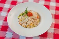 Rijst met groenten en kaas Stock Foto's