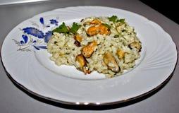 Rijst met mosselen Stock Foto