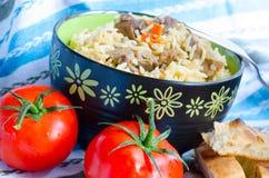 Rijst met vlees en wortelen Stock Afbeeldingen