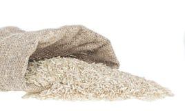 Rijstachtergrond met korrels en lege ruimte Stock Afbeeldingen