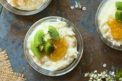 Rijstebrij met Kiwi en Oranje Jam Royalty-vrije Stock Foto