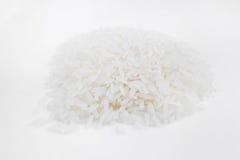 Rijstkorrels op een witte achtergrond Royalty-vrije Stock Fotografie