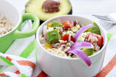 Rijstsalade met avocado Royalty-vrije Stock Foto's