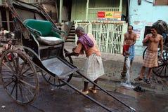 Rikscha bei Kolkata lizenzfreie stockbilder