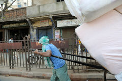 Rikschafahrer in Kolkata Lizenzfreies Stockfoto