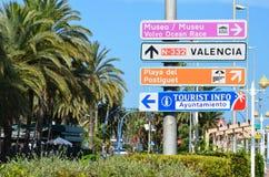 Riktningar i Alicante Arkivfoto