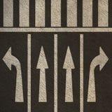 Riktningsövergångsställe för gatapilgångare Arkivbilder