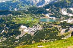 Rila湖小屋,保加利亚空中veiw  免版税库存图片