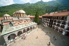 Rila kloster från den högsta punkten Arkivbilder