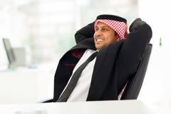 Rilassamento arabo dell'uomo d'affari Fotografia Stock Libera da Diritti