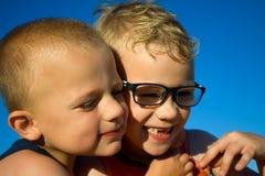 Rilassamento di due Young Boys Fotografia Stock Libera da Diritti