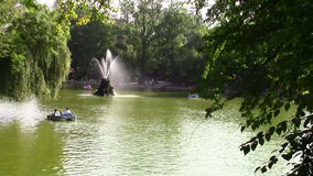 Rilassamento nel parco Fotografia Stock Libera da Diritti