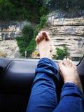 Rilassandosi nell'automobile Fotografie Stock