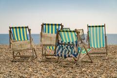 Rilassandosi su un Pebble Beach Fotografia Stock Libera da Diritti