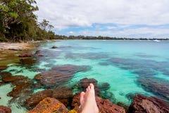 Rilassandosi in un paradiso perfetto della spiaggia fotografie stock libere da diritti