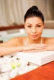 Rilassandosi in vasca calda Fotografia Stock