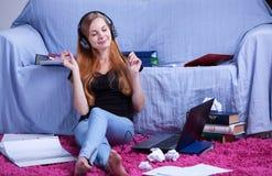 Rilassi durante lo studio Fotografia Stock Libera da Diritti